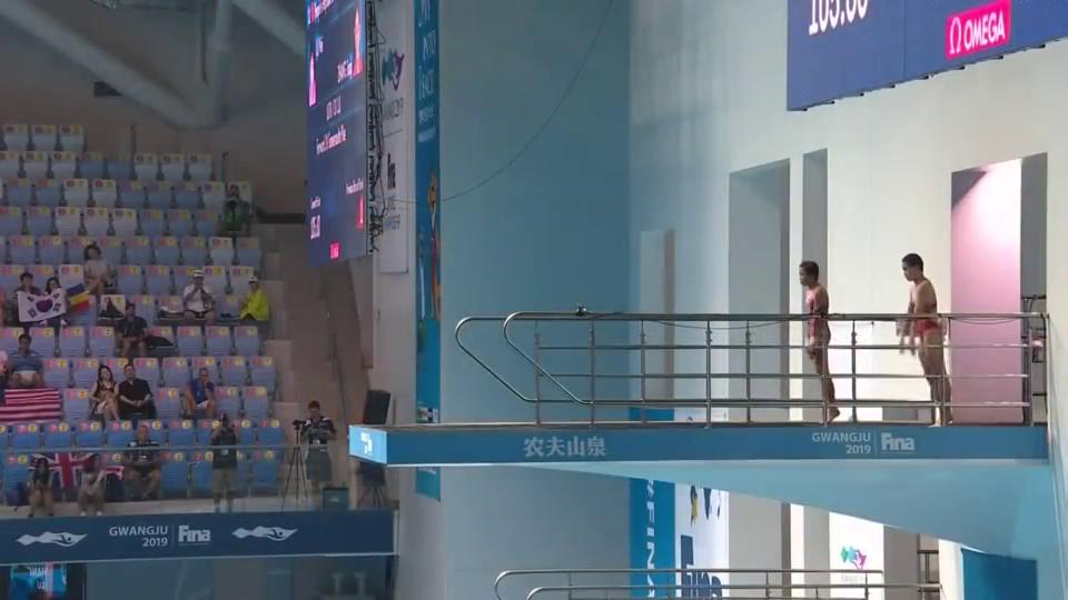 """张家齐卢为双人跳水,14岁小将展现""""世界级""""实力,领跑全场!"""