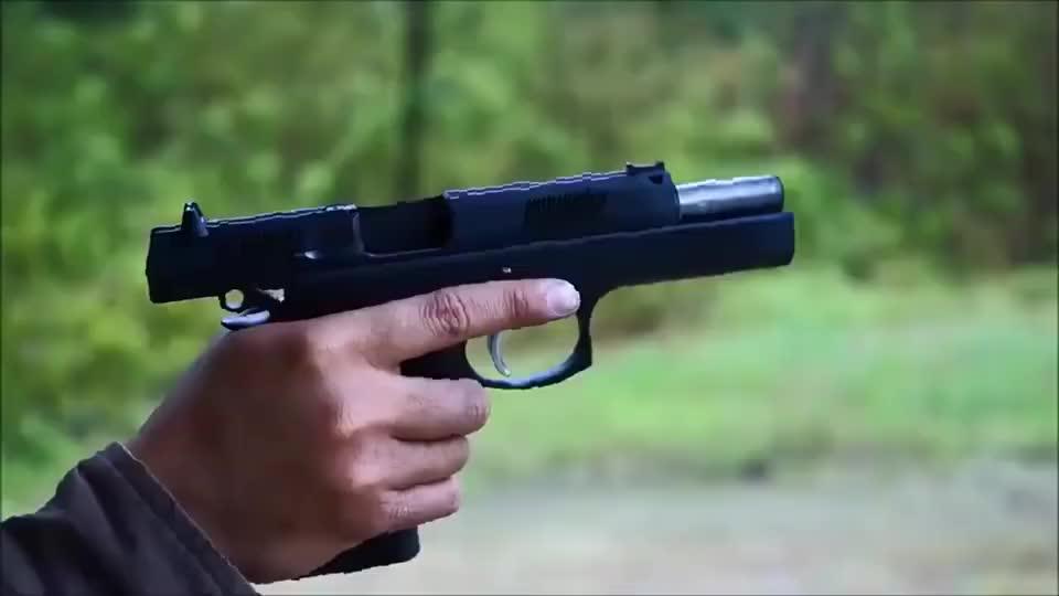 """捷克CZ97手枪,因口径关系时常被称为CZ75的""""大哥"""""""
