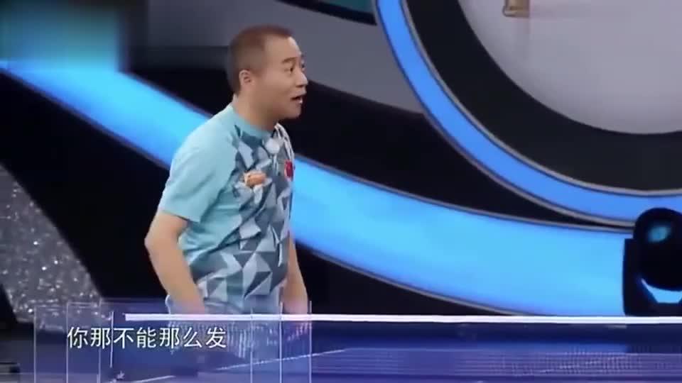 刘国梁现场教学让乒乓球转弯90度,全场惊呆!竟还有这种操作