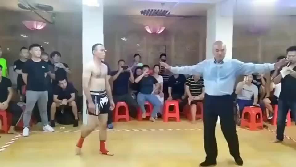 传统武术VS实战散打 实打实的拳拳到肉!