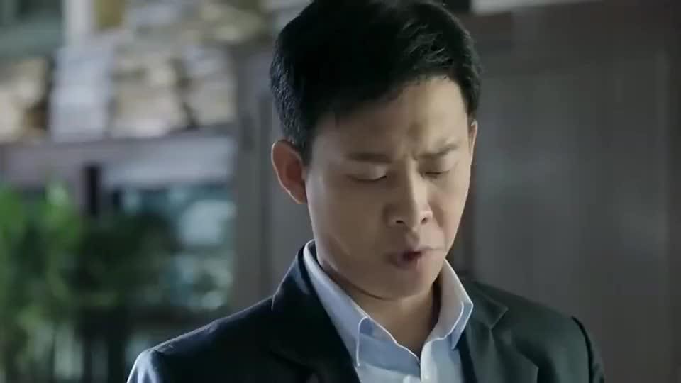 鸡毛飞上天:陈金柱贪污,气的陈江河把东西直接甩他脸上!