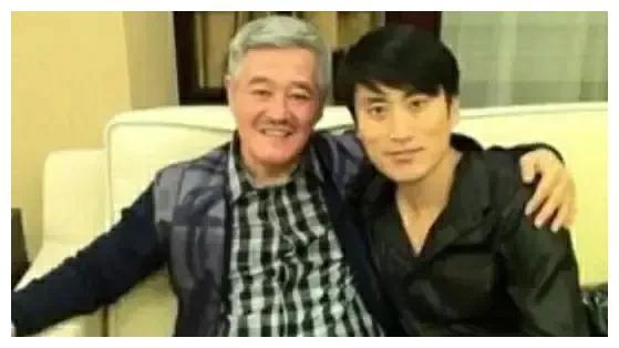 赵本山和他的最有钱徒弟吴云飞,究竟谁的名气更大