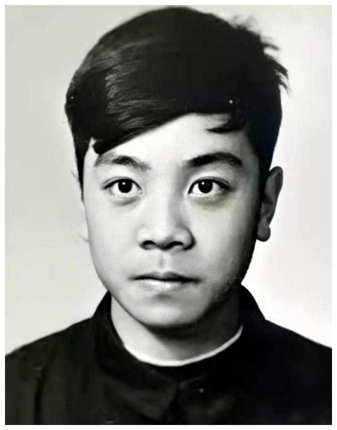 记录赵忠祥一生的20张照片,15岁帅气的小鲜肉,生前回应卖字流言