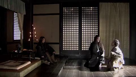 呼韩邪钟情于王昭君,认为她是一颗明珠,谁料儿子却说他走火入魔