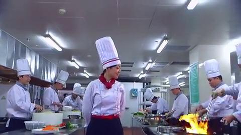 土豪客人有特异功能,每天只点宫保鸡丁,就受到厨师长的崇拜了