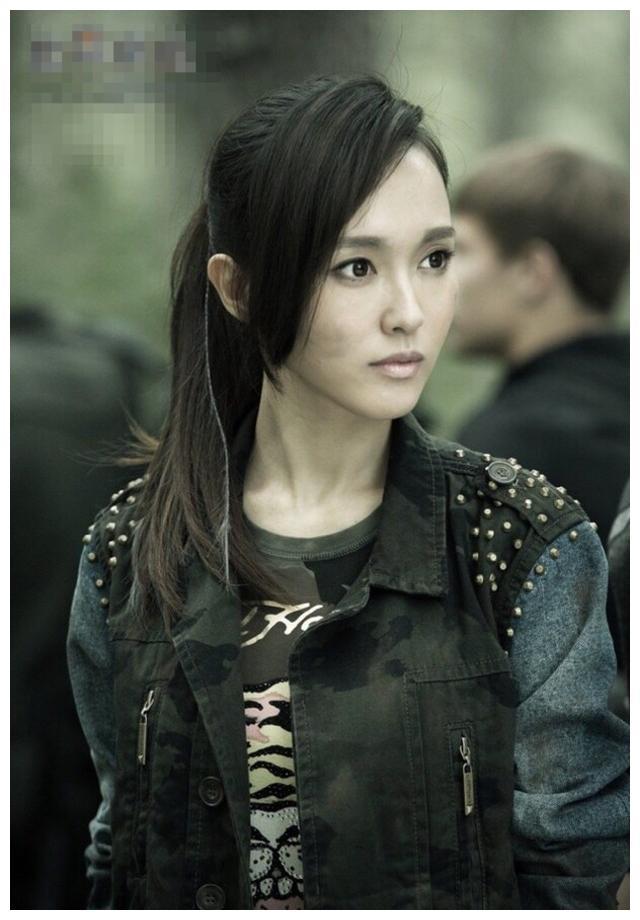 《盗墓笔记》的阿宁,唐嫣最符合李曼也不错,她太辣眼睛