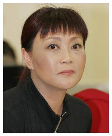 """杨蕾:被丈夫抛弃,又被闺蜜插足,离婚后只剩""""承重墙""""和""""4片安定片"""""""