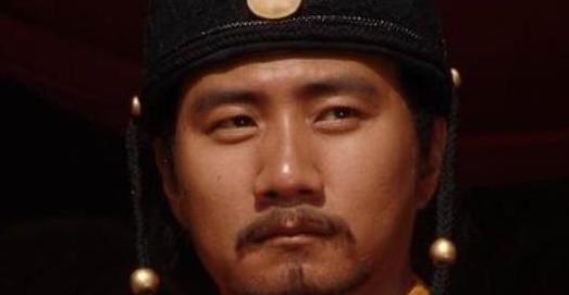 一代战神朱棣很多方面都胜过朱允炆,为何朱元璋没把皇位传给他?