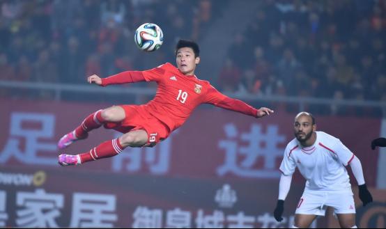 国足利好!中国国家队再迎强援,李铁有望带队杀入世界杯