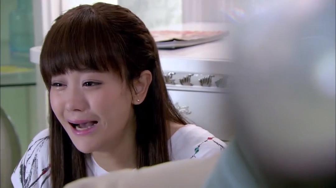因为爱情有多美:文馨哭的满脸泪,丈夫看了,心软拉起她的手!