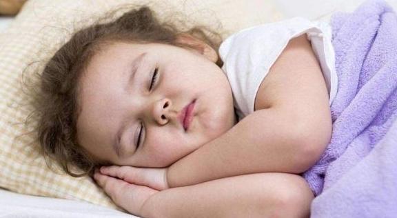孩子睡眠质量不好?原因都在这里,第3点是很多新手妈妈常犯的错
