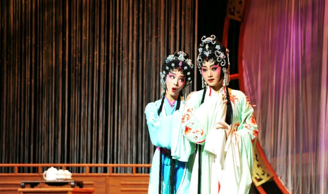 南粤广州特色文化:日渐衰落的粤剧