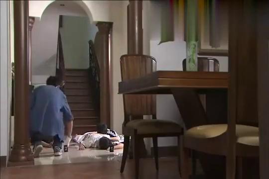 案发现场:小区发生命案,女警:连这么小的孩子也不放过