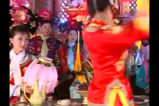 还珠3:小燕子红装跳灯笼舞,一出场就这么俏皮,惊艳全场!