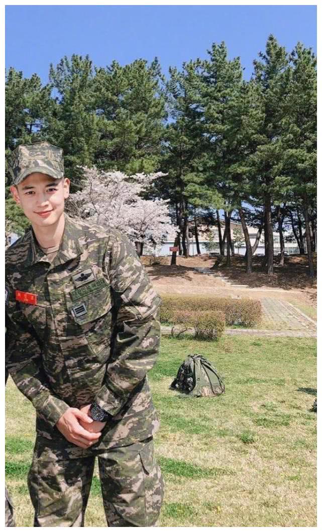 崔珉豪最新军队照公开