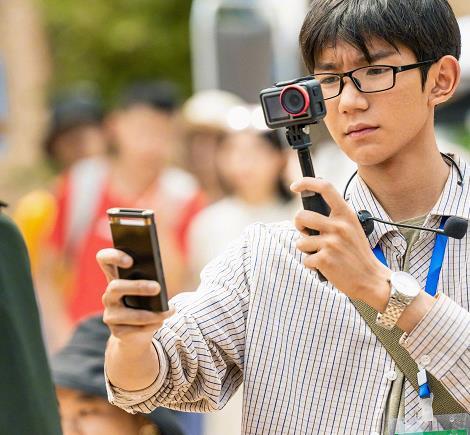 王源电影6天10亿票房,穿29块包邮暴晒,谁还说他比不上千玺
