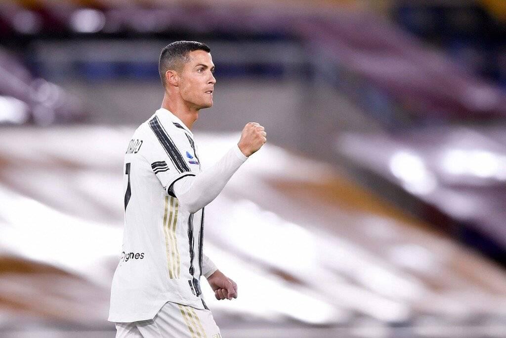 意甲联赛第二轮尤文图斯客场2:2罗马,C罗打进两粒进球
