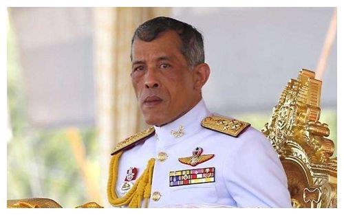 泰国王妃蒙西米拉:容貌出众,失宠后削发为尼,见儿子要下跪行礼
