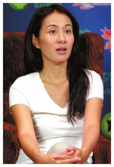 叶璇恋爱智商为0,混乱情史被群嘲,王思聪:她怕不是被下降头了