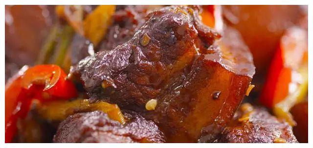 几道麻辣香嫩的家常菜,有荤有素,口感好味道鲜,家人特爱吃