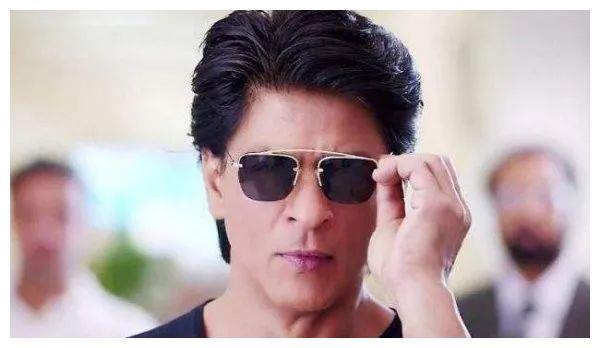 宝莱坞十大最有钱的男演员排名榜单揭晓!沙鲁克·汗排名榜首!