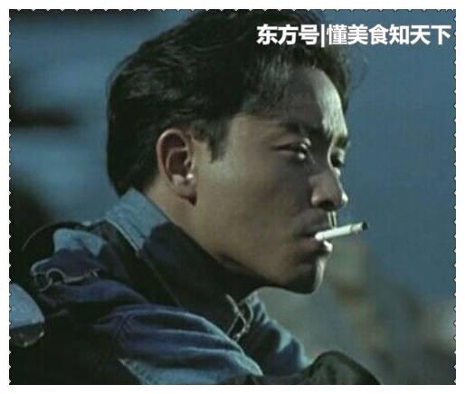 男神吸烟有多帅?张国荣忧郁,小栗旬痞帅,而他却成为经典
