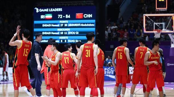 中国篮协遭重罚百万+扣分!FIBA业余操作,球迷嘲讽:他们缺钱了