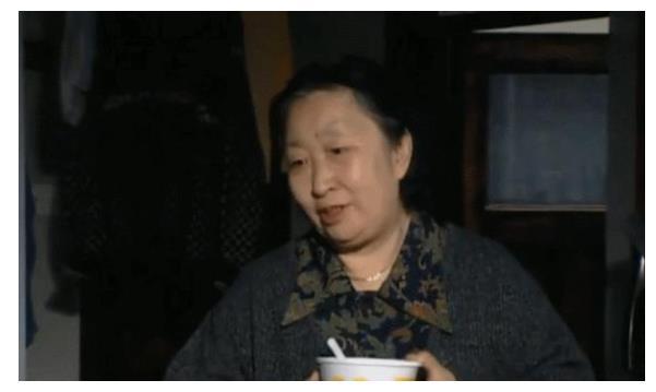 54岁彭玉,照顾瘫痪丈夫8年,62岁守寡却转身跟姐夫结婚!