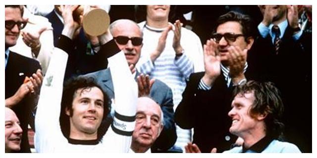 """球王贝利之后,世界足坛仅有4人有资格被称为""""球王"""""""
