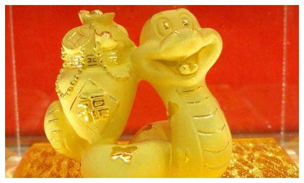 巳蛇人:12月谁是你的贵人,谁又是你的小人?属蛇的看看吧!