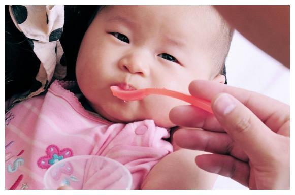 照顾100天内宝宝,妈妈要做好4件事,别影响了宝宝发育