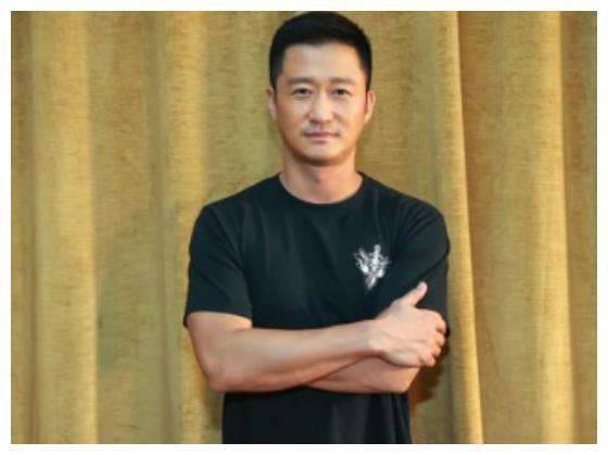 3年过去了,没等到吴京的《战狼3》,却等到他这一部新剧
