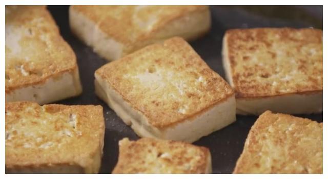 教你家常版的海鲜豆腐煲,鲜香美味,步骤简单,一上桌就抢着吃