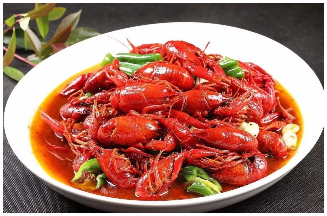 虾尾肉多,为啥比整只小龙虾还便宜?虾老板:里面猫腻不少
