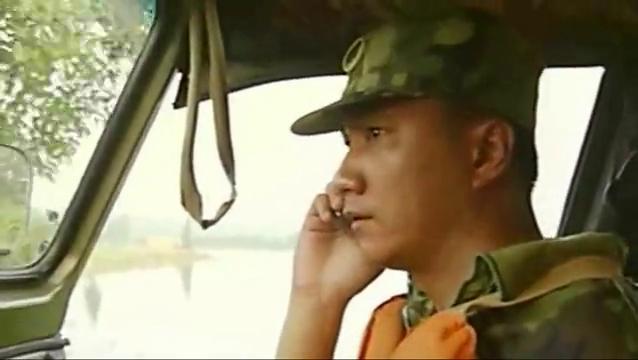 影视:长江大堤决口,方圆几百里的村庄被毁,村民只能爬上屋顶
