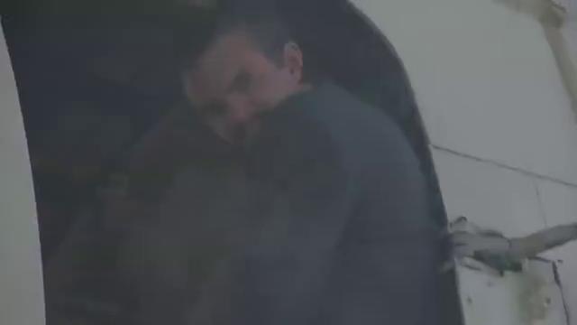 绝地战警:几人围攻毒贩交易,爆炸不断,史密斯被搭档开车救走