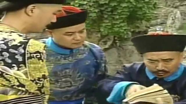 宰相刘罗锅:刘墉把四库全书全都涂黑了,乾隆质问刘墉,刘墉装哑