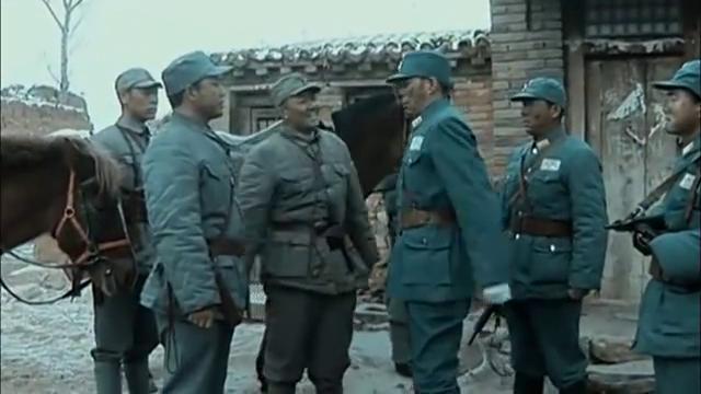 楚云飞收拾手下的叛徒营长,直接说:你想怎么死!