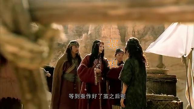 古装:黄帝囚禁蚩尤后,天下太平百姓安居乐业,竟出现桑蚕高手