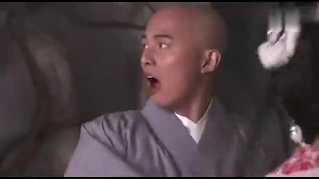 活佛济公:必清咬了章小蕙一口,结果知道她是章鱼精,俩人都吐了