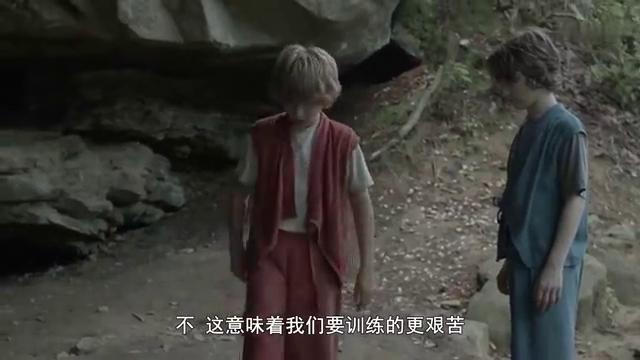 小男孩无意间放出龟派气功杀了人,怕被发现就好抛尸海里!