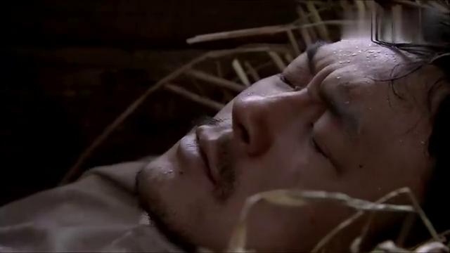 生死线:看着欧阳痛苦的样子,小何十分愤怒,想揍死小鬼子