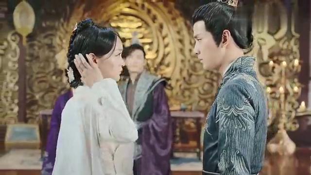 凤弈:凝芝决定和魏广一起对抗皇上,两人再次相拥