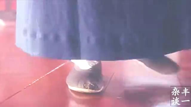 经典吐血三升片段,来自于星爷电影《唐伯虎点秋香》