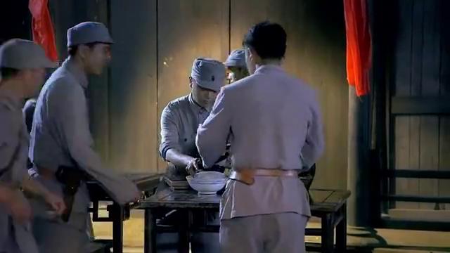 光影:安国与陈静互诉衷肠,夏安国护送郑教授遭到鬼子围剿