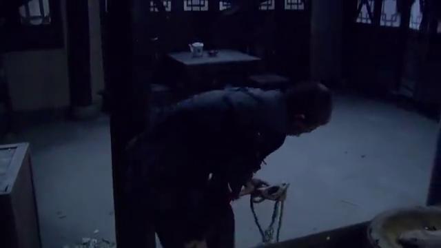 狐影第二十二集:军花被抓进审讯室,刘志庸欲用酷刑