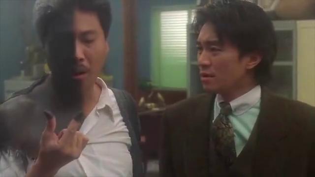 经典电影:楼下有7路公车,你乘八个站到医院门诊,达叔:我好感