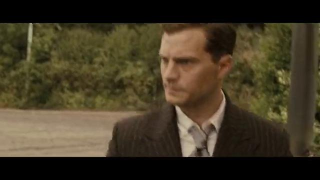 电影《类人猿行动》的经典片段,伞兵对二战德军高官的暗杀