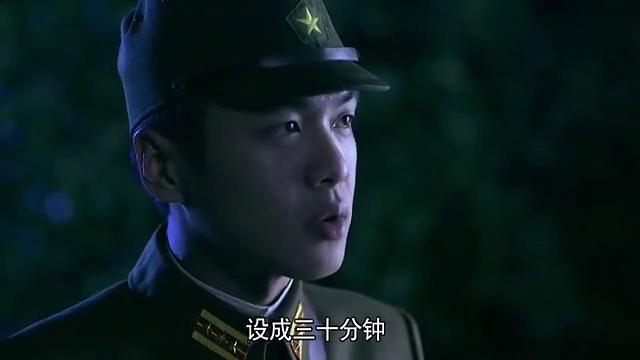 周卫国夜袭日军军火库准备炸掉,不料杨大力却想着把军火搬回去!