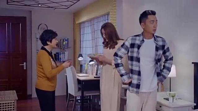 梁丹妮的关心,让胡丹丹和贾景晖有些心虚生怕事情败露